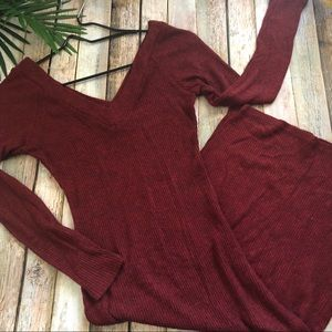 Charlotte Russe Dresses - Charlotte Russe Women's burgundy knit dress size M